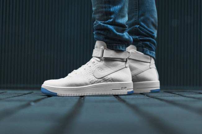 a-closer-look-at-the-nike-air-force-1-ultra-flyknit-mid-1