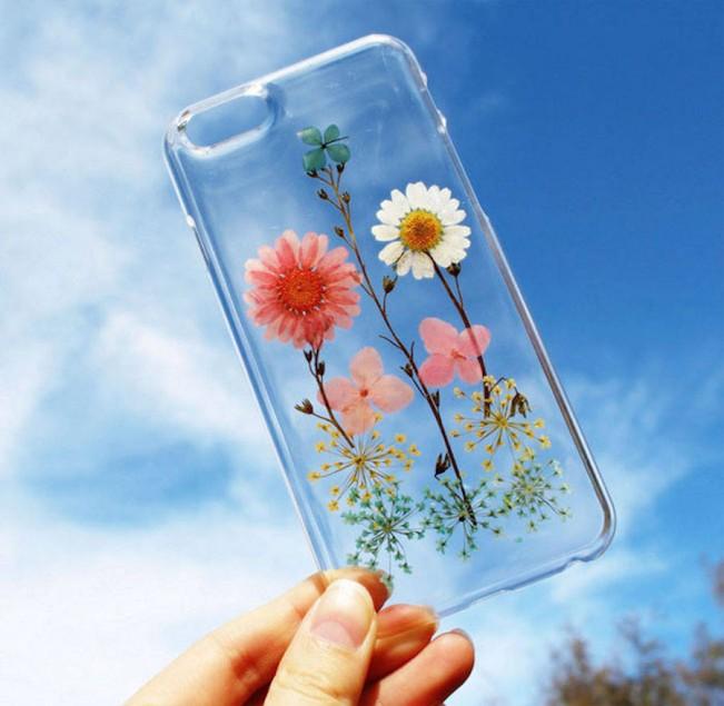 sweetphonecaseswithrealflowers-8-900x878