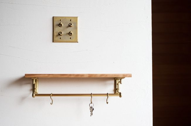 large_brass-shelf-bracket-futagami-nalata-nalata