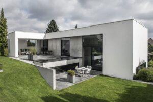 ardess-villa-v3-risskov-denmark-designboom-01-818x546